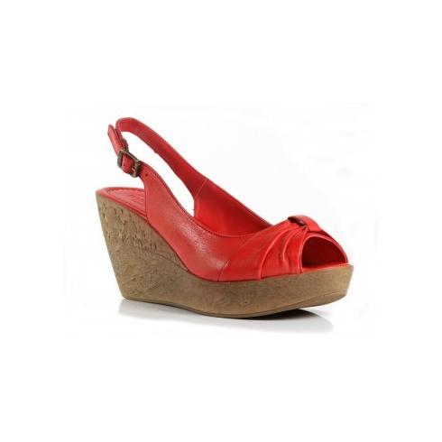 Moda in Pelle Qubec - Red
