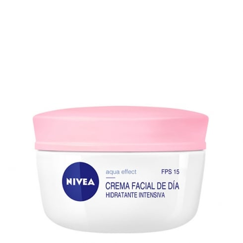 Nivea Aqua Effect Moisturizing Face Cream Dry Skin SPF15 50ml
